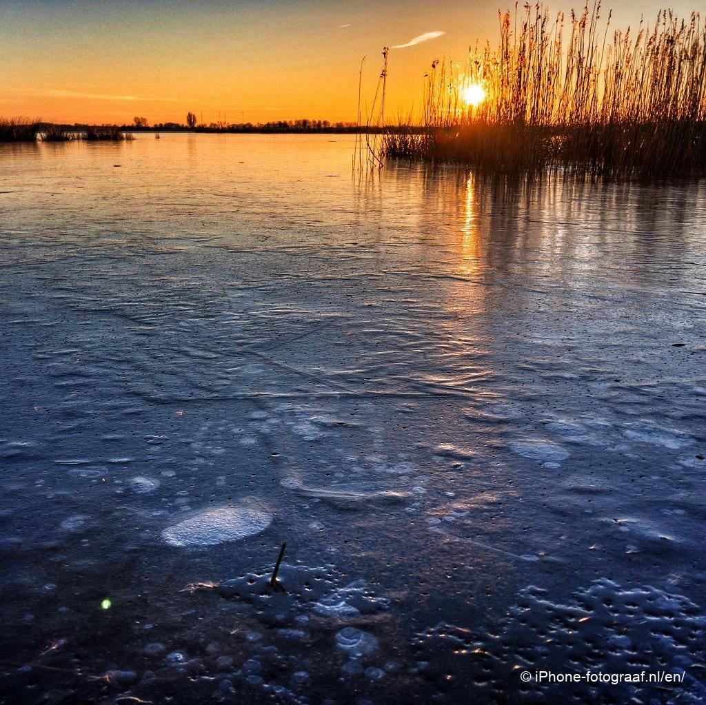 ijs en een lage zon